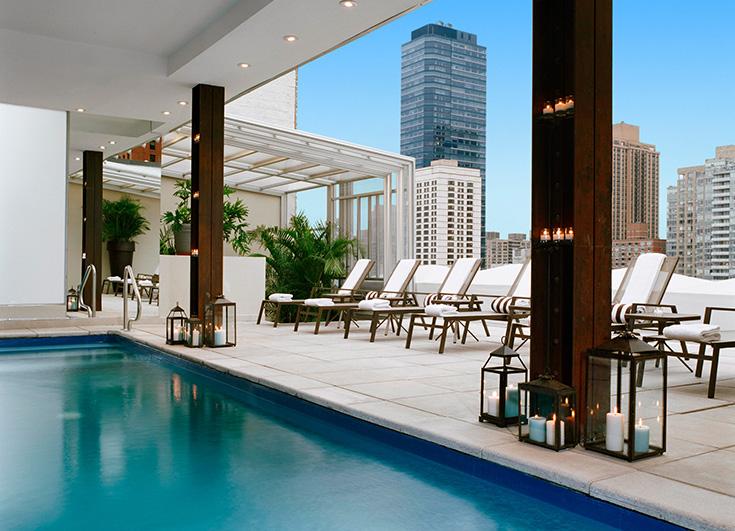 Een geweldig zwembad met een prachtig uitzicht, volgens de hotelwebsite.