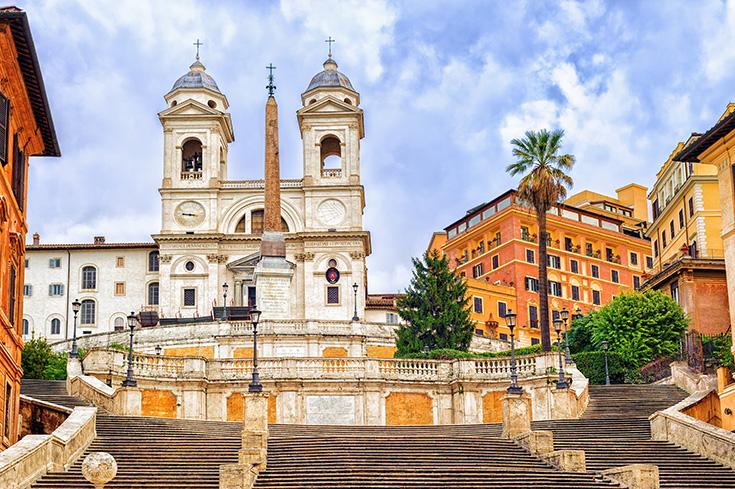Op deze reisgidsfoto zien de Spaanse Trappen eruit als een toeristenvrije geheimplaats in Rome...
